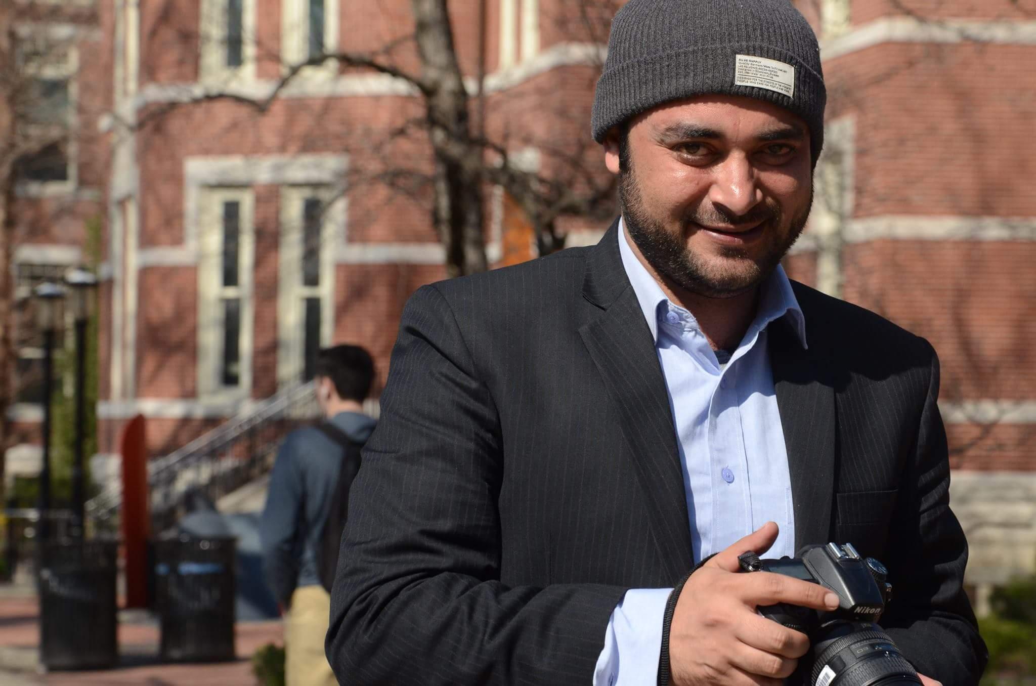 Crime reporter undaunted by dangers in northwest Pakistan