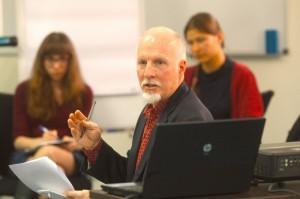 David Reed teaches Ukrainian journalists at an ImpactMedia program in October 2013 in Kyiv