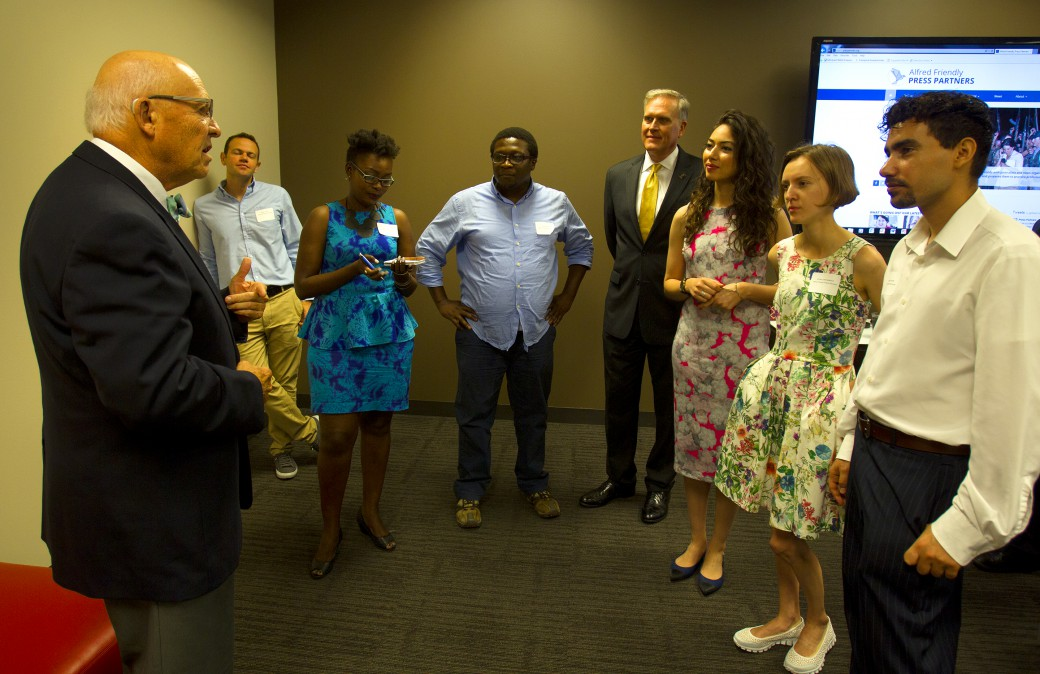 Jonathan talks with Fellows at Stueve law firm 2016